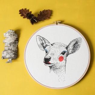 "Biche - Sérigraphie sur tambour de broderie - ""Painted Animals"""
